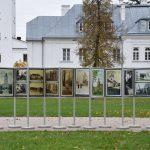 Zespół pałacowo-obronny Radziwiłłów w archiwalnej fotografii (zaproszenie)