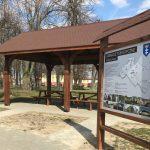 Nie wiesz, co można ciekawego zobaczyć w gminie Łomazy? Pomogą tablice informacyjne