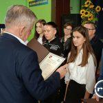 Wisznice: Stypendium Starosty wręczone podczas Dnia Edukacji Narodowej (galeria)